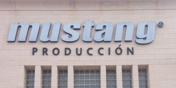 Diseño y Producción Calzado Mustang Coco School