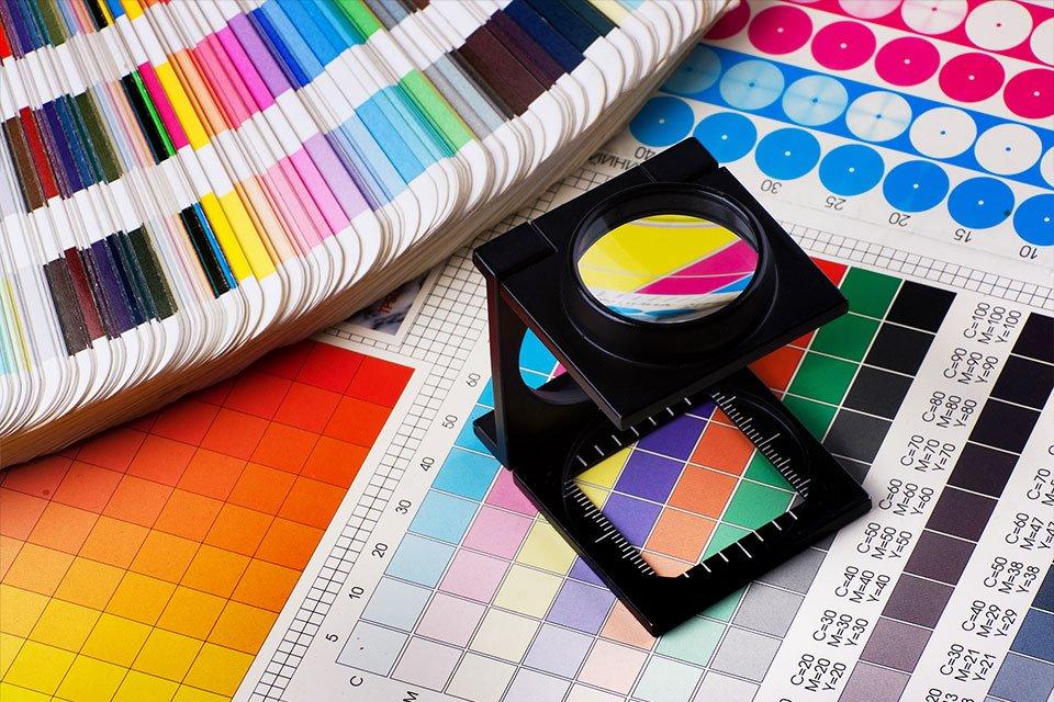 Beca para el programa de captación profesional en artes visuales combinado con máster universitario título propio UCAM